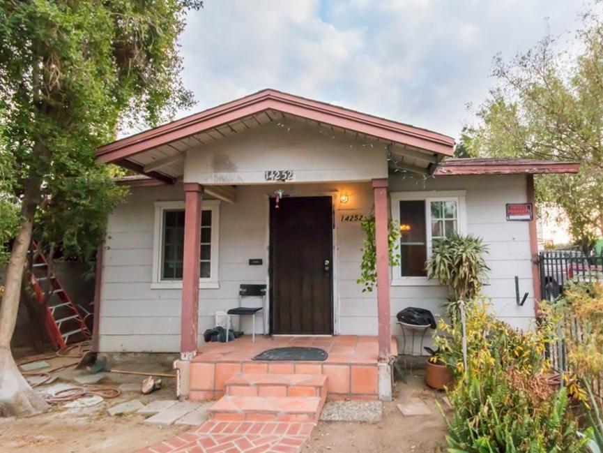 Funding: $446,875  Los Angeles, CA