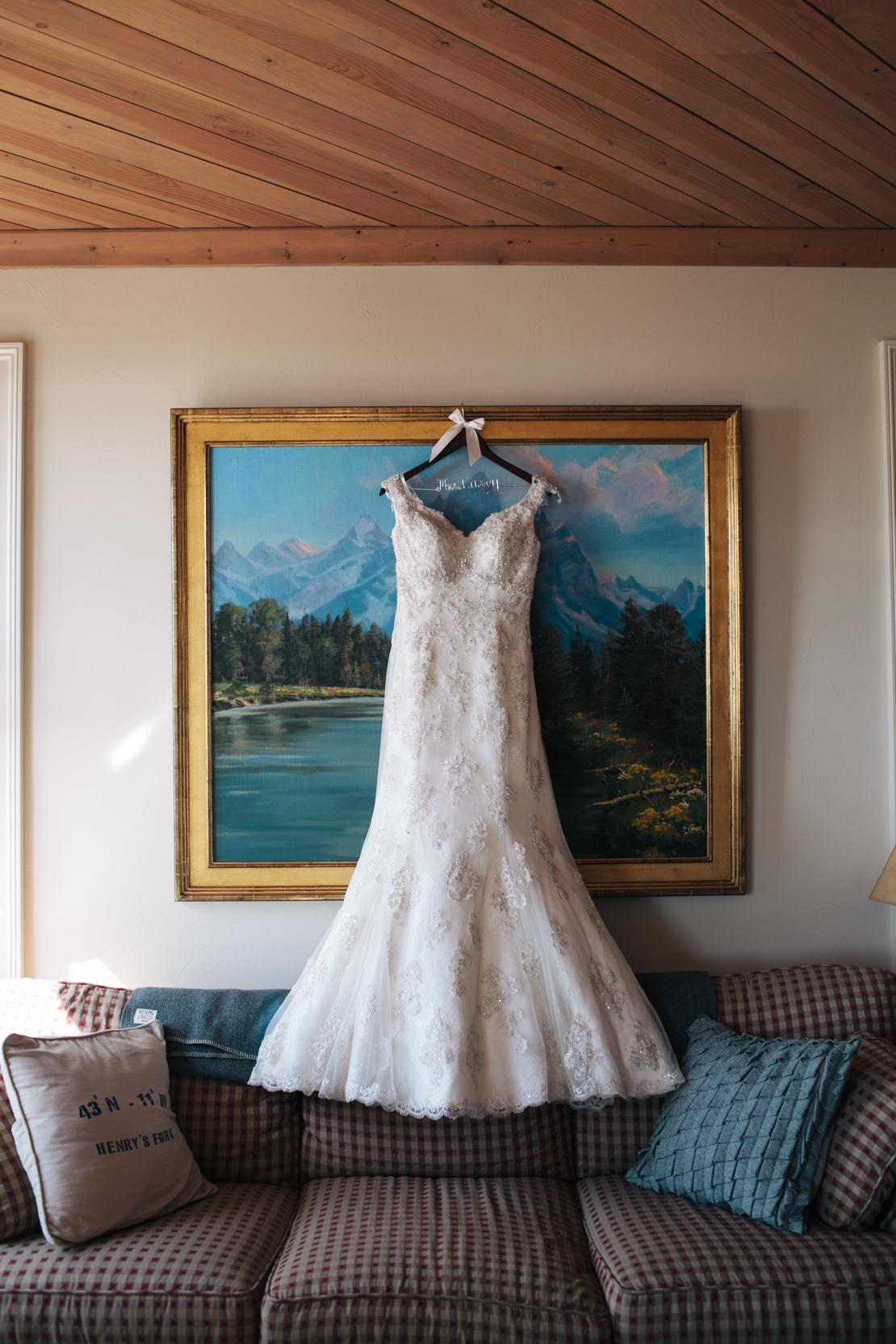 Steph-Thad-Wisconsin-Wedding_Grain-and-Compass-3.jpg