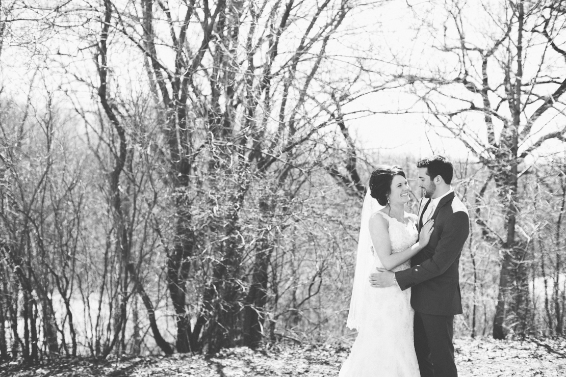 Steph-Thad-Wisconsin-Wedding_Grain-and-Compass-44.jpg