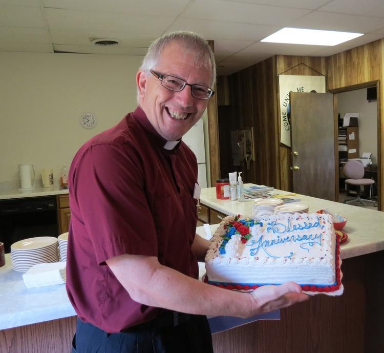 Pastor+Jim+with+cake.jpg