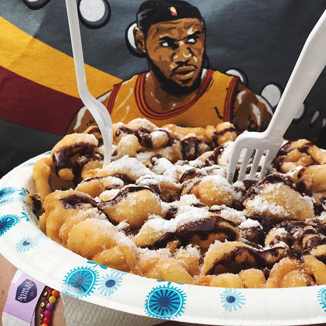 Throwing it back to #tacofest where we were lucky to have @kingjames join us for some delicious treats. . . . #tacos #southport #chicago #chicagofoodie #funnelcake #walkingtaco #cafetola #NOMaste #sundayfunday #chicagofestivals