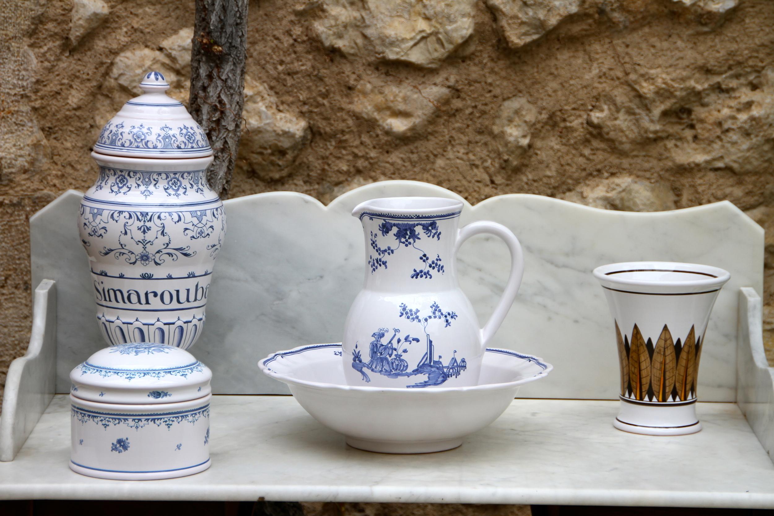 Faïence   ceramics, Moustiers-Sainte-Marie.