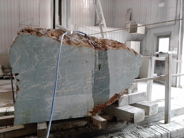 cutting the virginite at the Quebec  Polycor plant