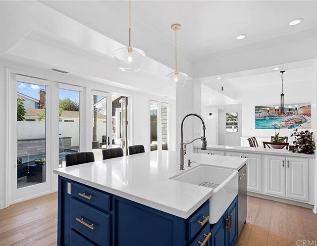 Sold // 534 Catalina, Newport Beach $2,760,000  I had the pleasure of representing the buyers on this amazing #NewportHeights beauty.  If you live in the neighborhood... you are welcome! You have fantastic new neighbors.