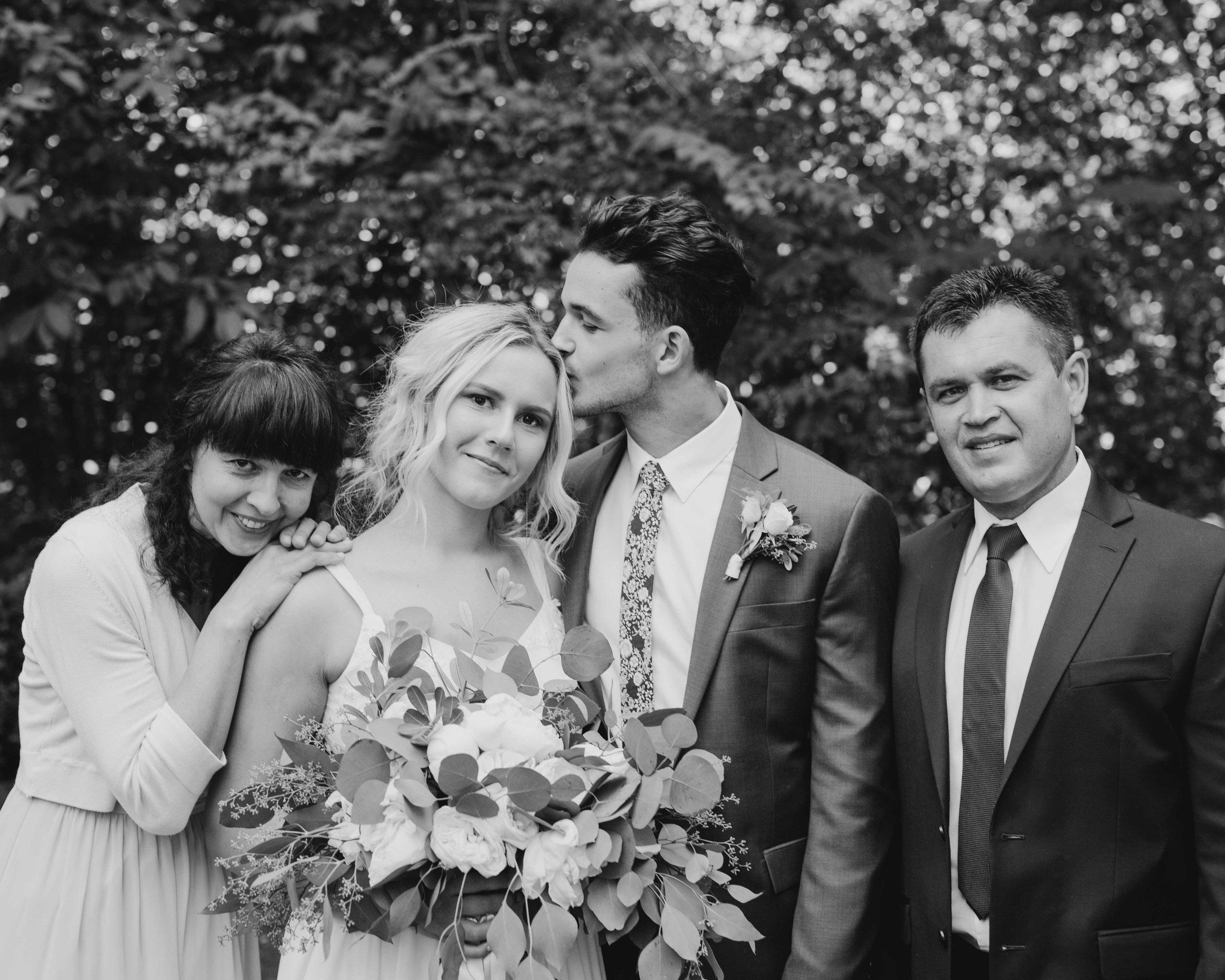 Oregon-Wedding-Photographers-30.jpg