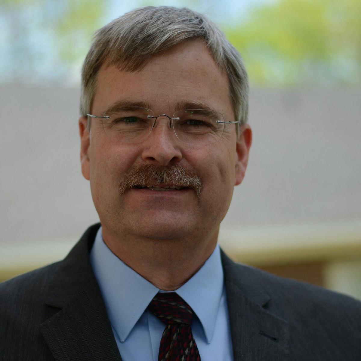 Dwight Davis (head elder)