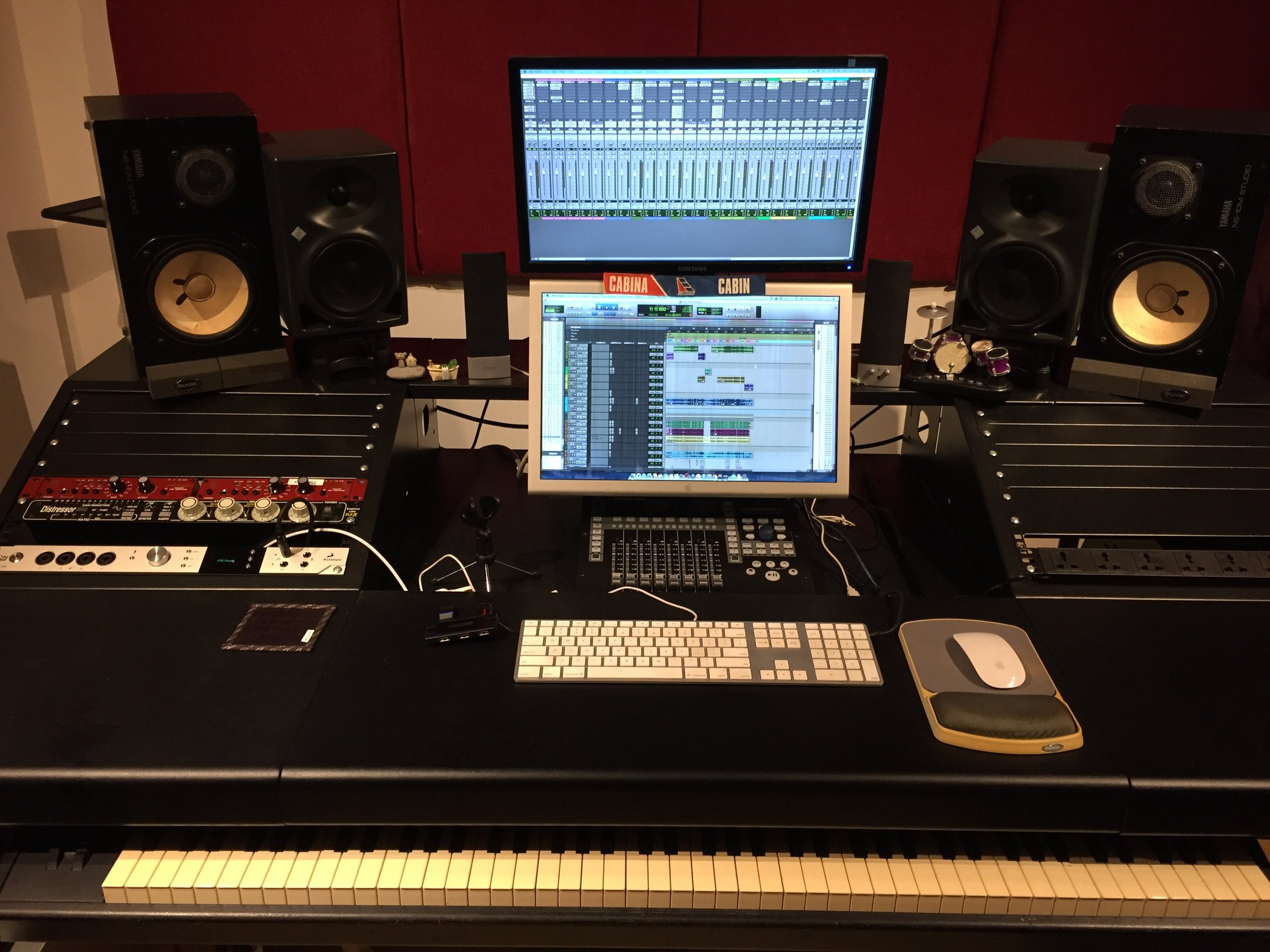 Studio — Rosh Pina Studio 角石音樂