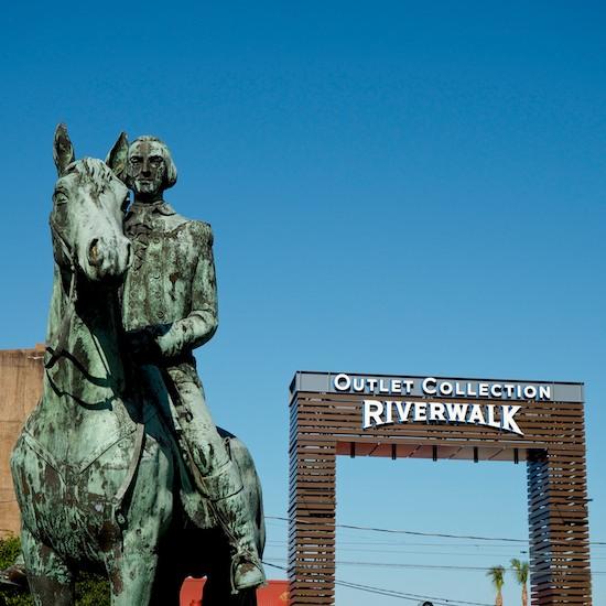 riverwalk_outlets_2.jpg