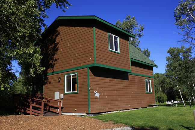 Cabin5_outside copy.jpg