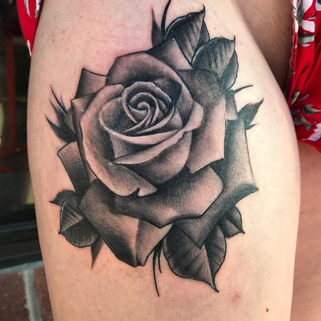 #tattoo #rosetattoo #blackandgreytattoo #girlswithtattoos #flowertattoo