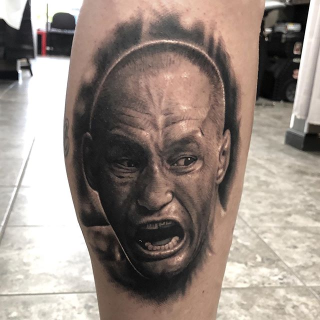 @danhendo portrait I accidentally deleted. Little warped due to the way he was standing and some swelling but the pest pic I had. Hopefully will get a healed shot soon.