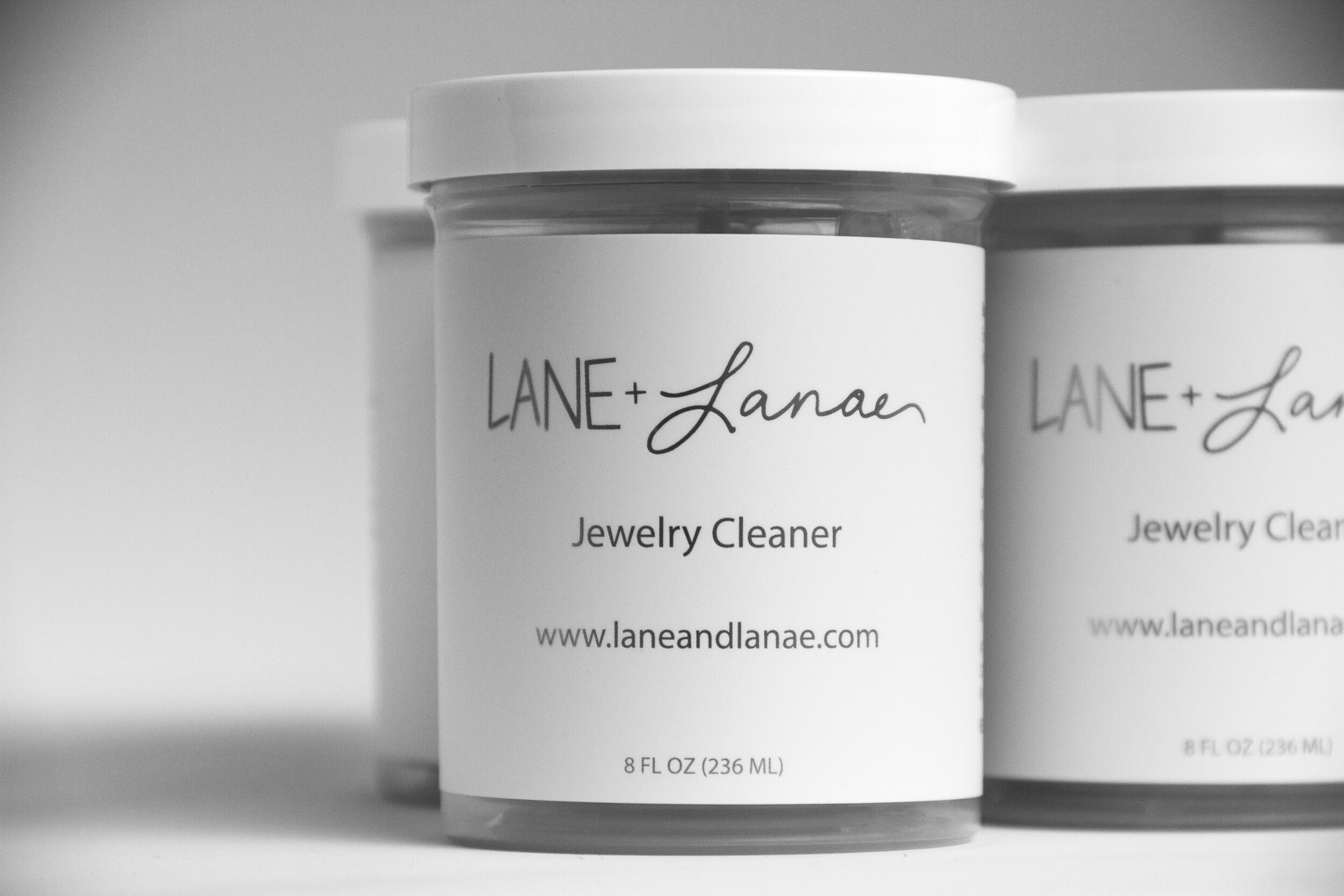 lane-and-lanae-jewelry-cleaner-02.jpeg