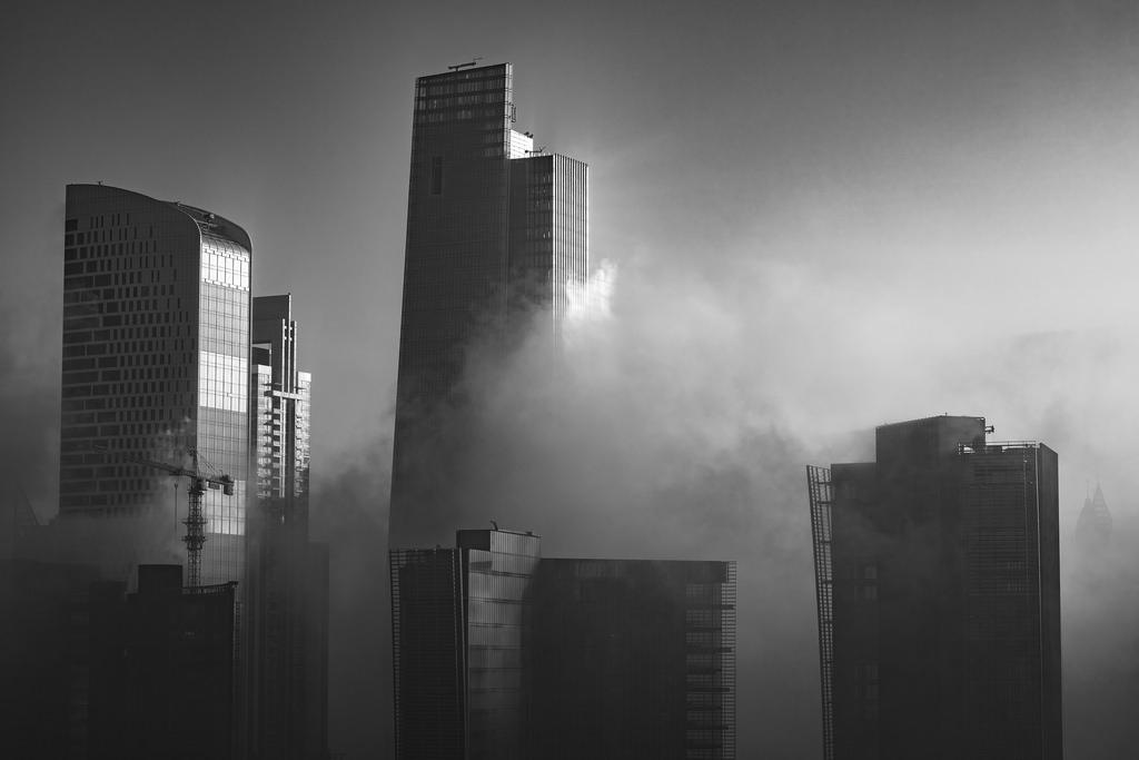 Business Bay Morning Fog   Nikon D810 - Nikkor 85mm f/1.4