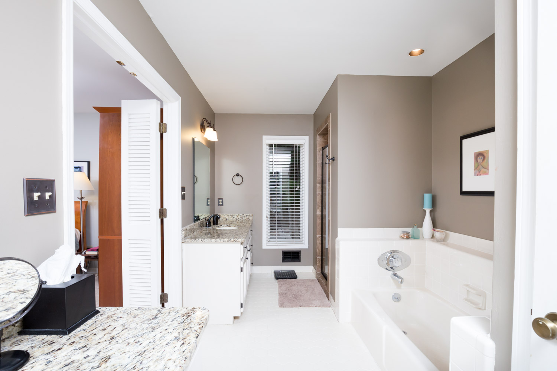 5558 Parkview Cir - Bimingham AL Real Estate Photographer0027.jpg
