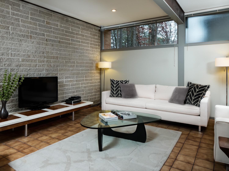 3088 Whispering Pines - Birmingham Real Estate Photography0001.jpg