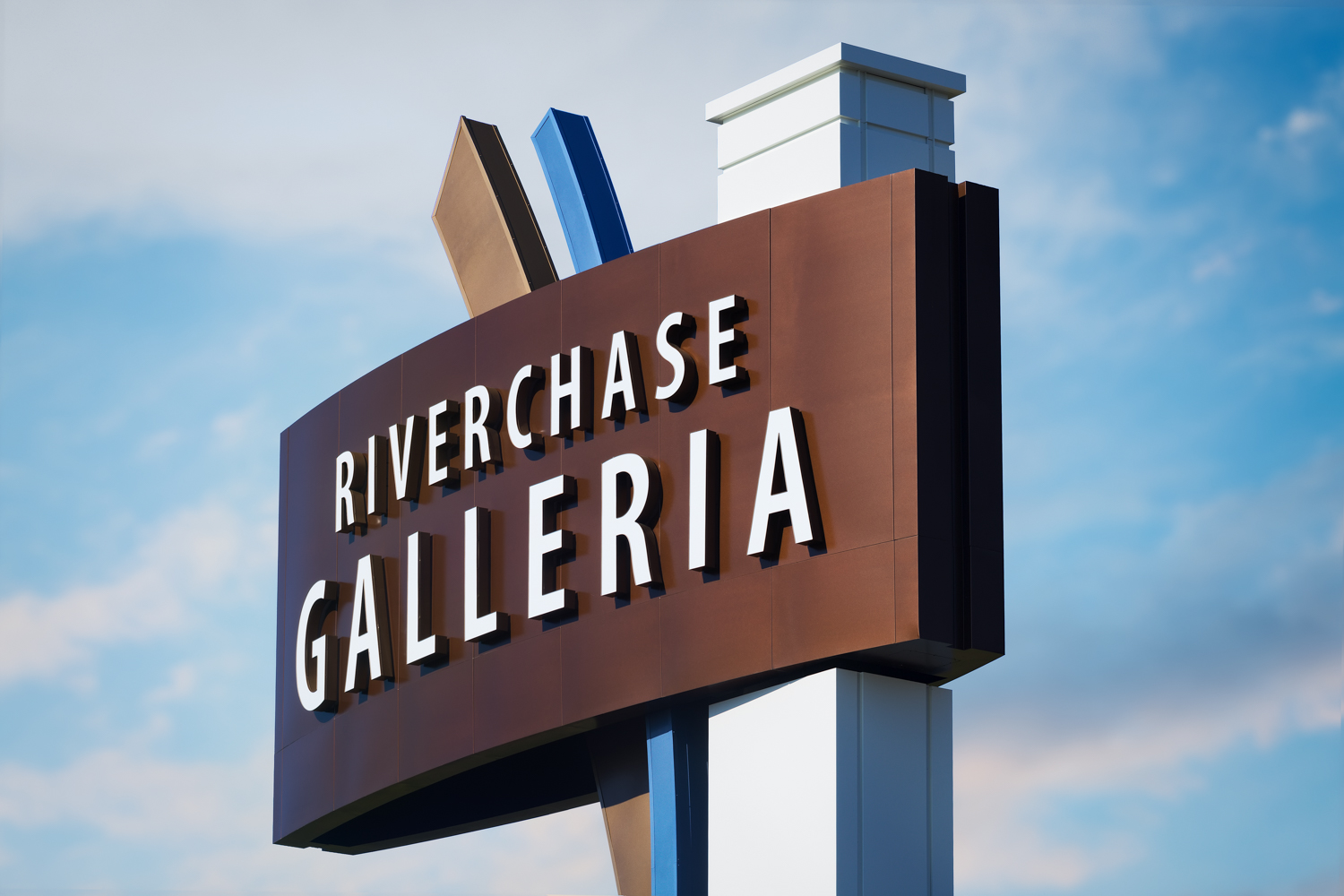 Riverchase Galleria Signs - Signs of the Riverchase Galleria Mall in Hoover Alabama for Integrated Sign and Graphic
