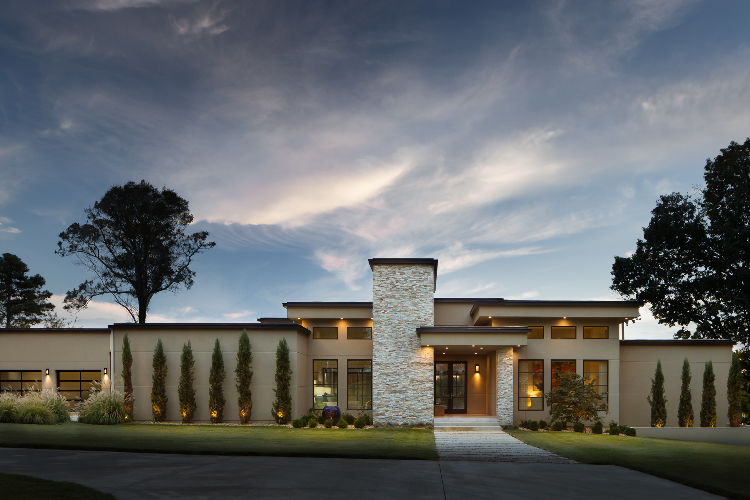 Northshore - Modern luxury home in Florence Alabama photographed for Alexander Modern Homes, Riverwoods Design Studio, and Phil Kean Architecture