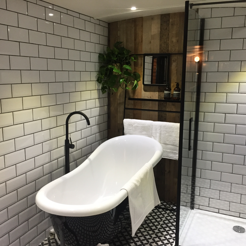 Bathroom shot 2.JPG