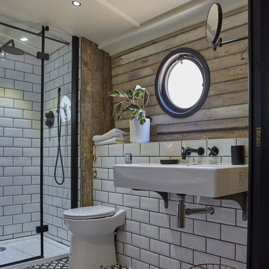Bathroom shot 4.jpg