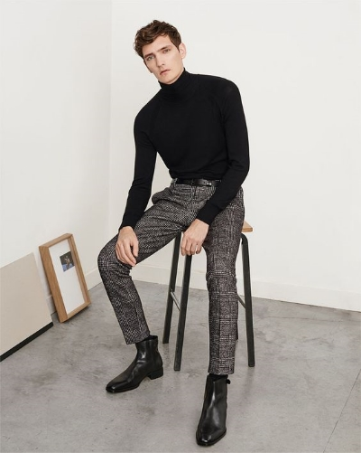 Have yet to find a man that can pull off a turtleneck. My 80 year old professor does not count.