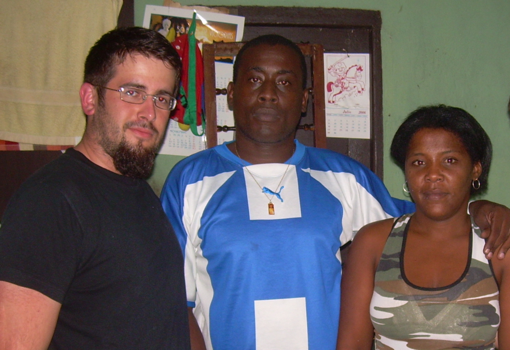 Nick Jiménez, Antúnez and Antúnez' wife Iris Pérez Aguilera (who founded Cuba's Rosa Parks Feminist Movement for Civil Rights) in Havana in 2008
