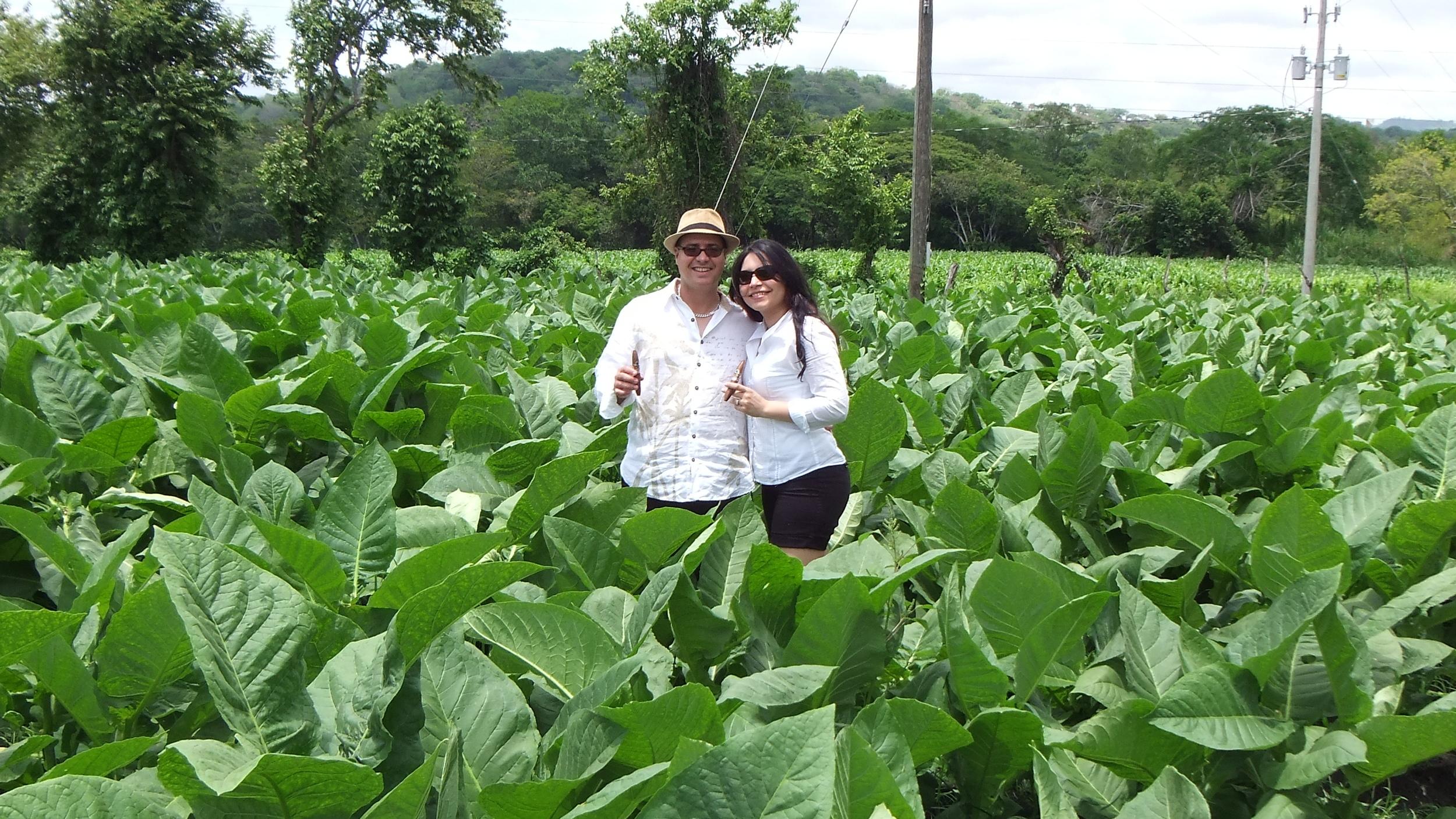 Azarías and Emille Mustafa  (image: Córdoba &Morales Cigars)