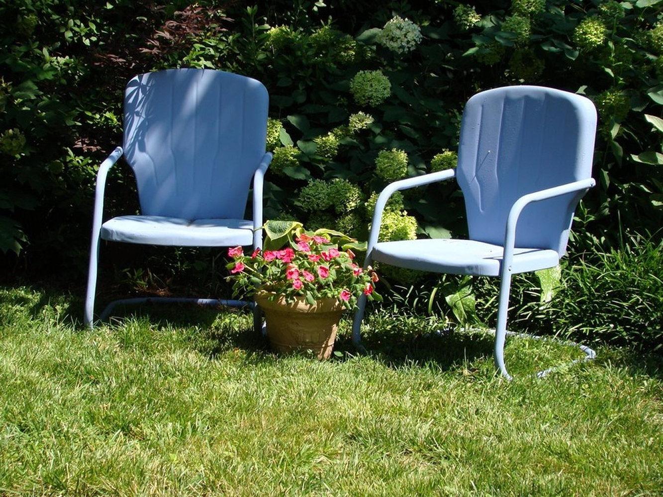 blue-garden-chairs-DSC01002creative-friends-series.JPG