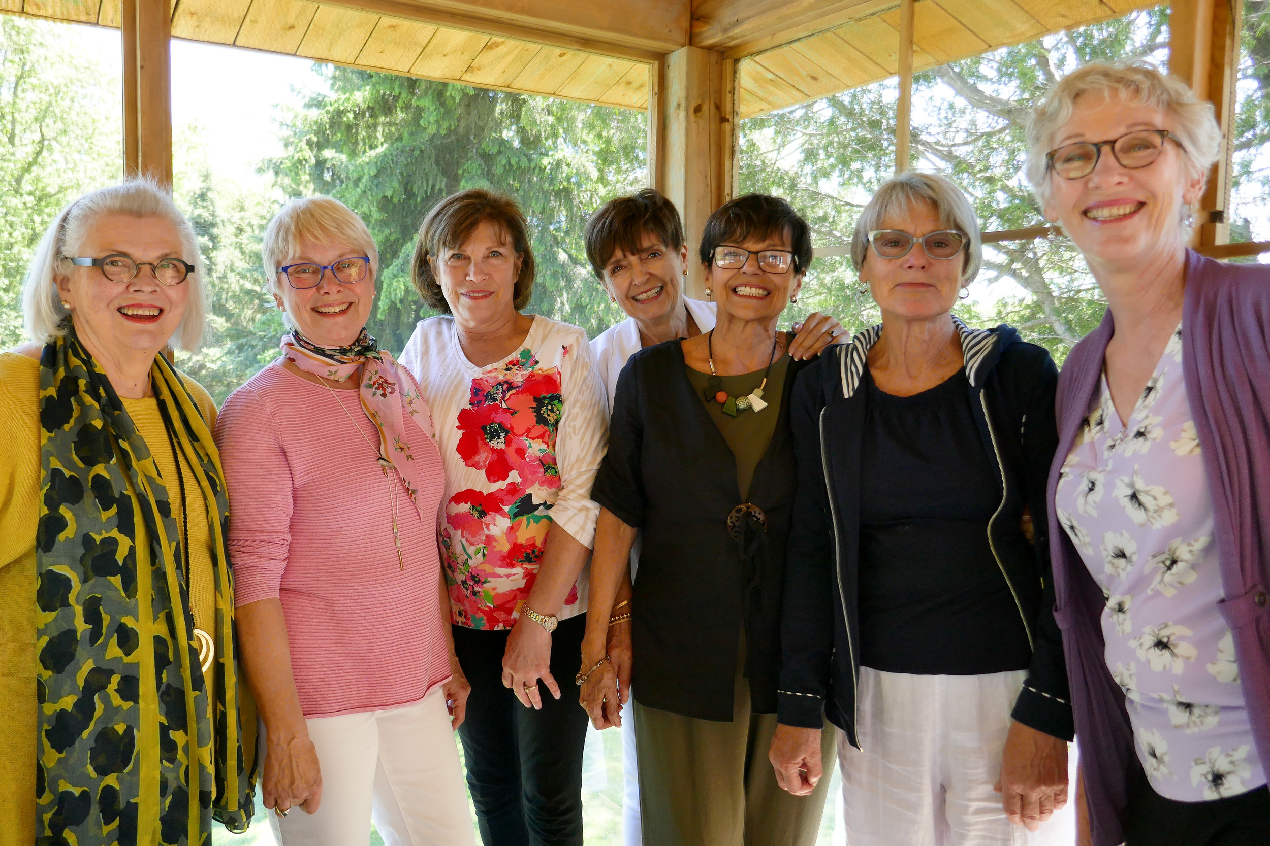 20190606-some Happy Bookers with Marg.jpg