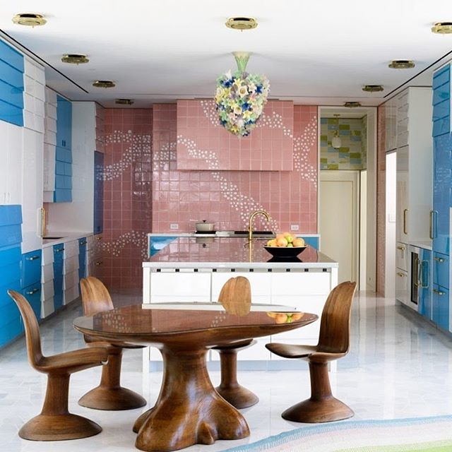 Custom High Gloss Lacquer Kitchen designed by @frankdebiasi featured in @dezeen manufactured and installed by #byblosgroup. Article: https://www.dezeen.com/2018/12/21/shulman-associates-lindemann-house-miami-beach/