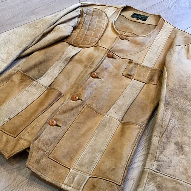 """Unusual 1930's 2-Tone Buckskin Norfolk style Shooting Jacket from Mid-Western Sport Togs. These guys made some killer field jackets most notably a Green Horsehide. Fly Fishing (shorter style), Grommet Zipper Front Field Jacket with matching Jodhpurs. Label changes in the 1950's to a smaller, bland and less impressive style but still retained the """"Sporting Togs"""" moniker. #midwesternsportingtogs #berlinwisconsin #norfolkjacket #vintageshootingjacket #vintagetrapjacket  #vintagehuntingjacket #buckskinjacket #fieldjacket #deerskinjacket #1930sjacket"""