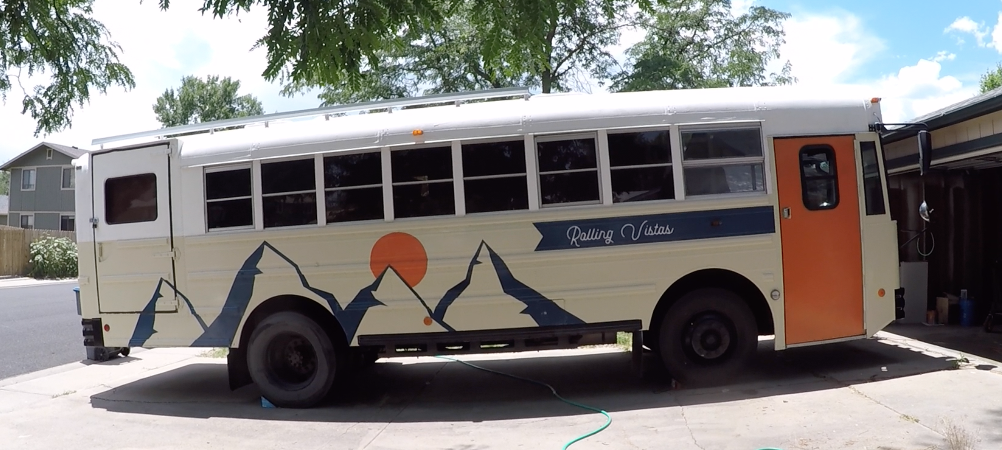 rolling-vistas-skoolie-paint-job