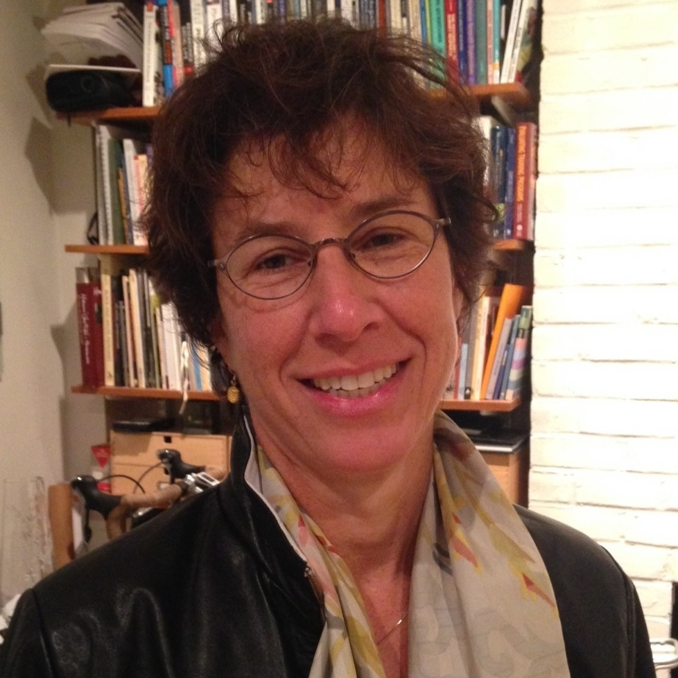 Robin Goldstein   Joined 2014 - Alto 1   Psychotherapist, mother of two. Loves to bike, sail, bake and read.
