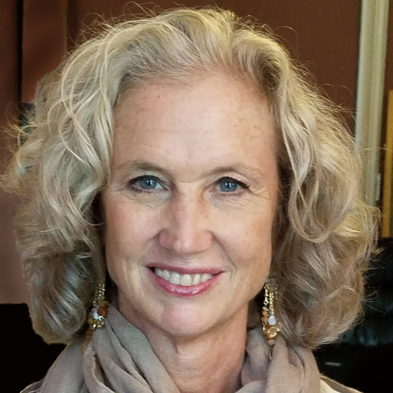 Deborah Roth   Joined 2009 - Alto 1   Life/Career Transition Coach, Relationship Coach & Interfaith Minister. Married with 2 grown sons, she loves officiating weddings, reading, gardening and yoga. Founder of www.4thUArtivists.com