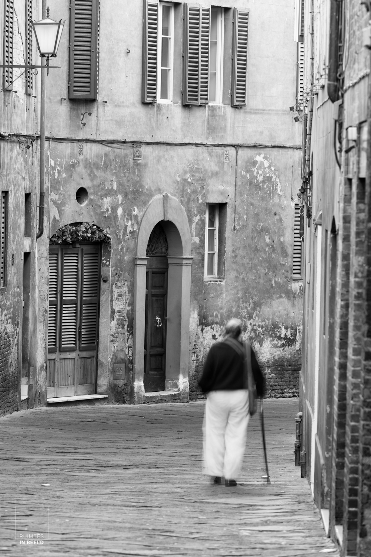 Man in straat