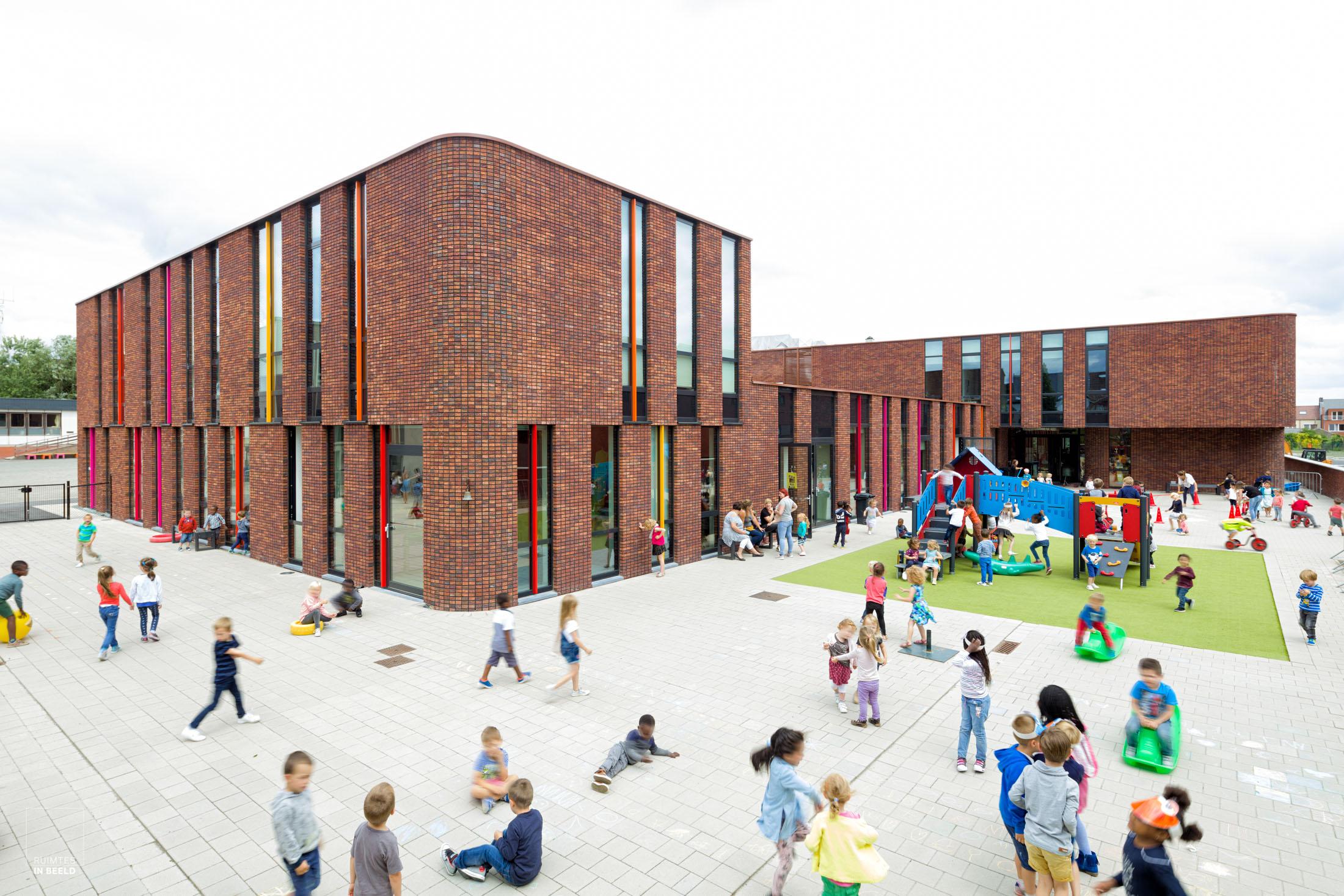 School in Nivone, België, in opdracht van DJGA Architecten