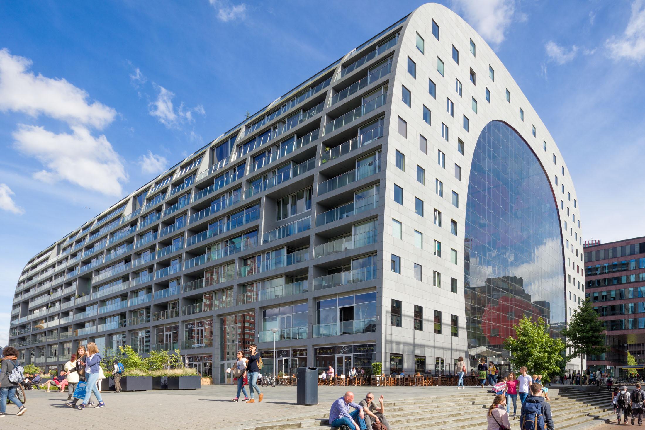 Rotterdam-Markthal-achterkant.jpg