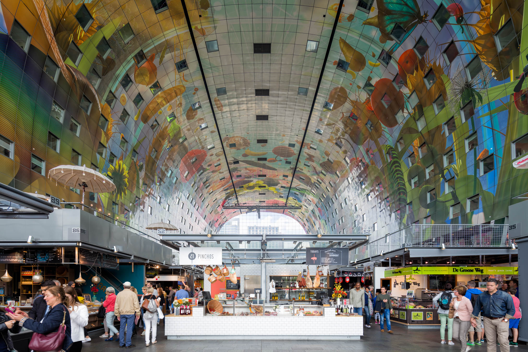 Rotterdam-Markthal-interieur.jpg