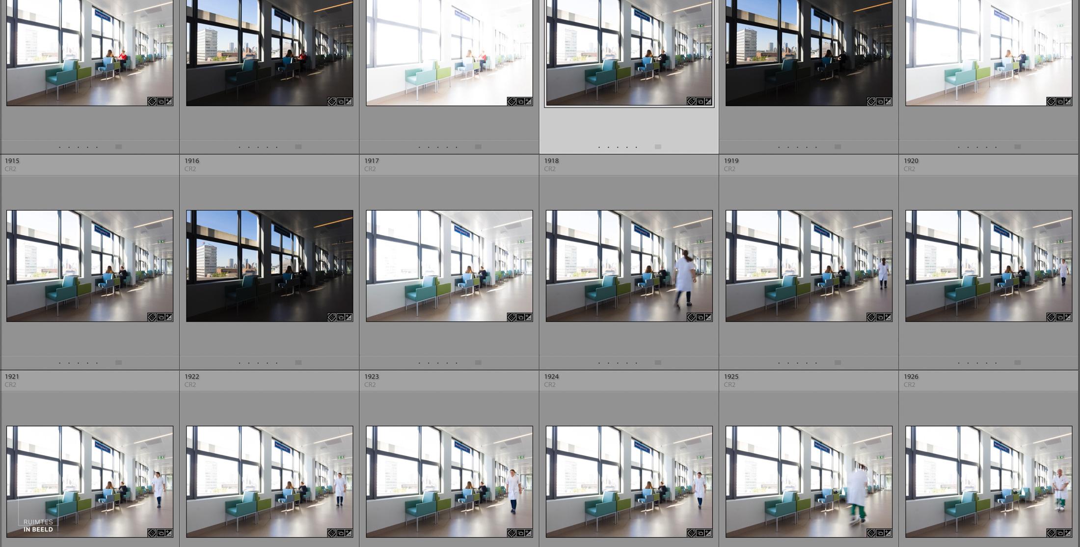 Dit zal een beeld worden met meerdere uitdagingen in één foto. Ten eerste moet het licht binnen en buiten in balans komen, en in de tweede plaats kwam er net tijdens de shoot een dokter aan op een stepje die best door het beeld wilde rijden voor ons. Dat moet dan ook worden geïntegreerd in het beeld. Is dat toeval? Zeker, maar ja, toeval treft alleen de voorbereide geest! (Beeld gemaakt in het Erasmus MC voor  EGM Architecten ).