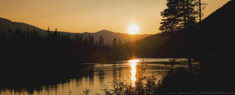 Sun setting over the Otta river.