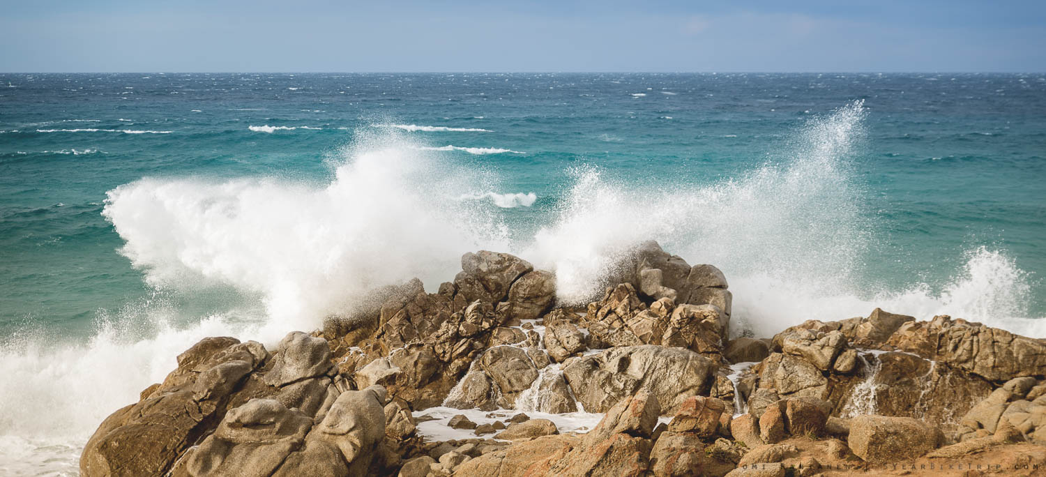 Without anything for scale, the waves and rocks don't look very big, but they were HUGE.