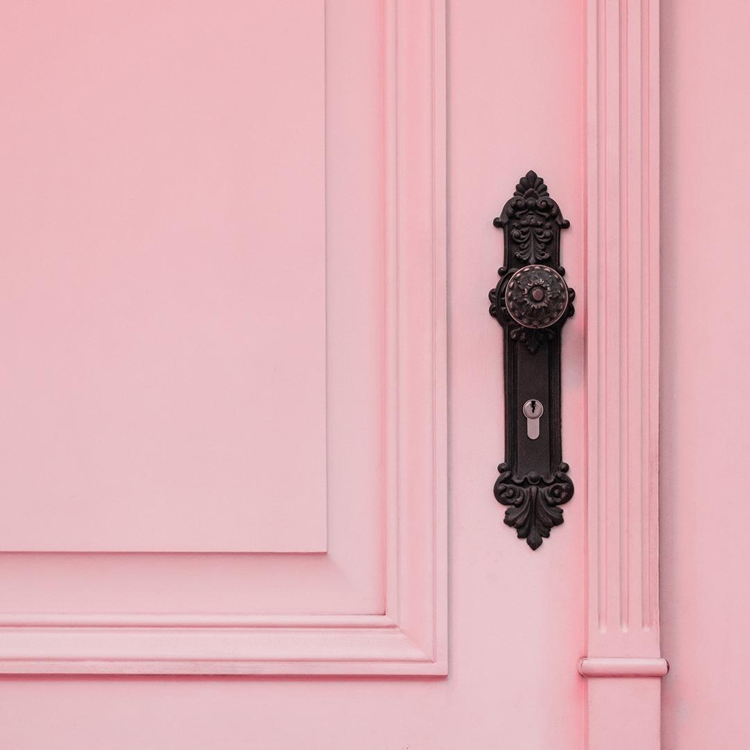 Pink_door.jpg