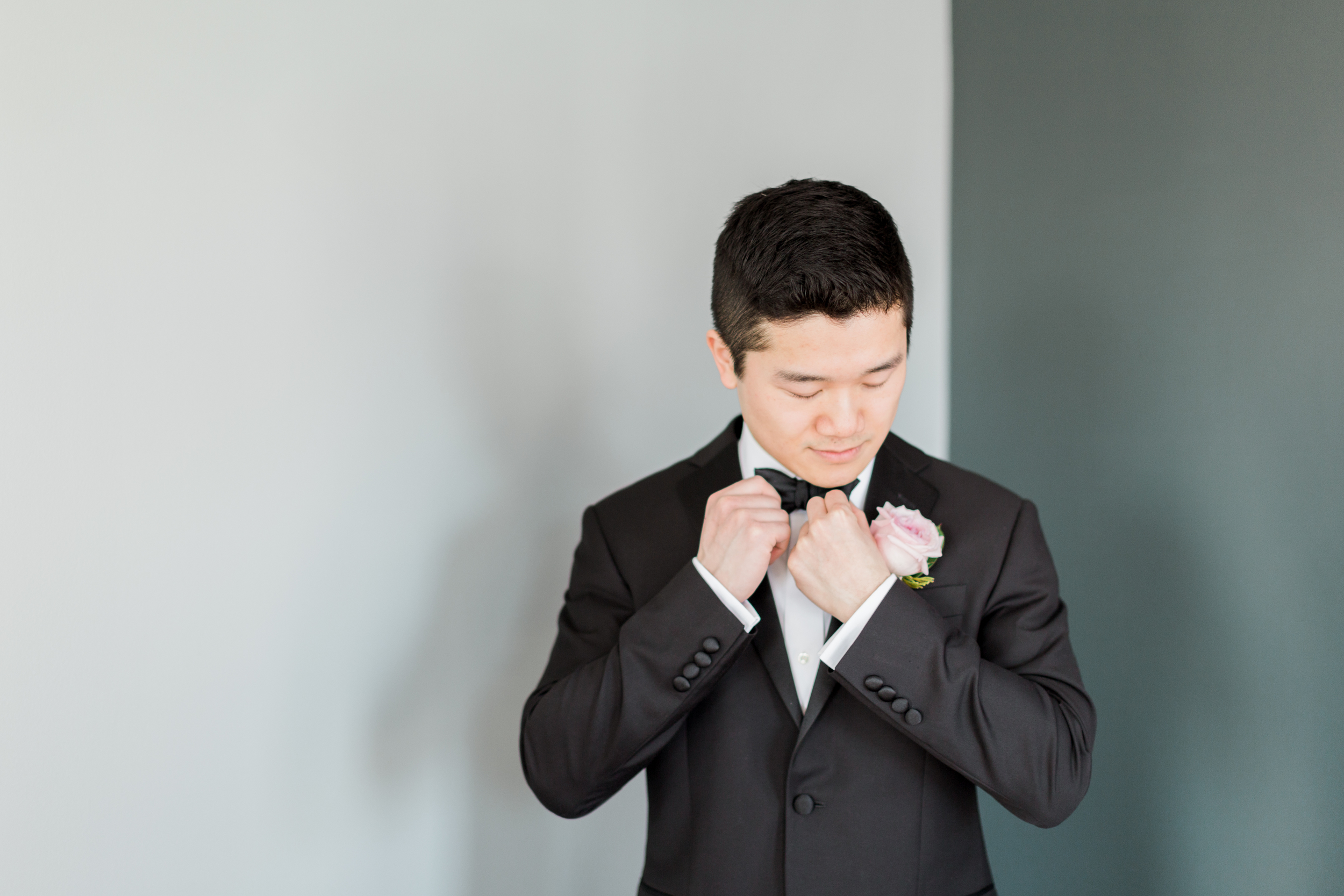 Cari Zhu Photography - Alexander Muir Gardens Wedding - Groom Getting Ready-8698.jpg