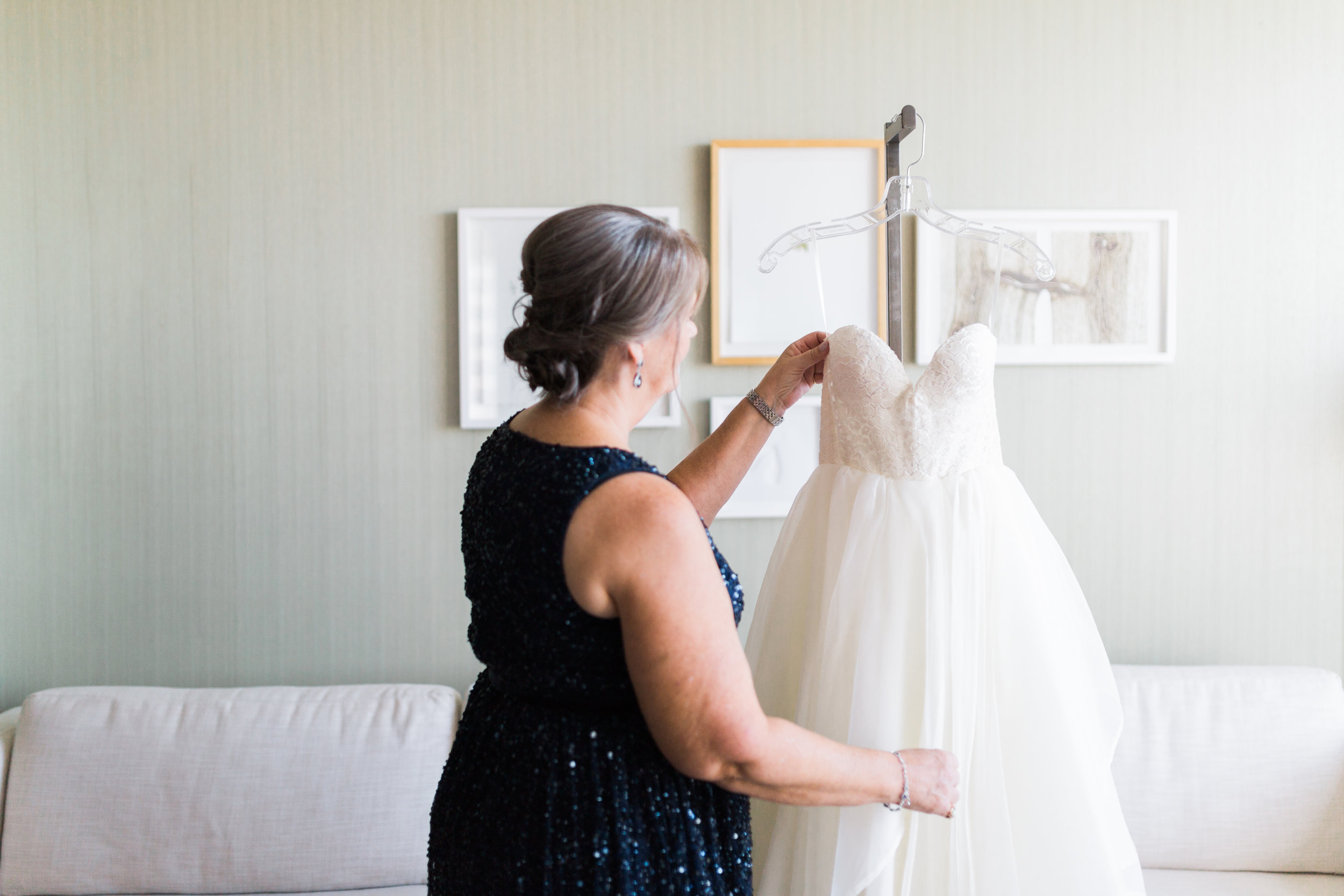 Toronto Fine Art Photographer - Four Seasons Yorkville Wedding - Bride Getting Ready-20.jpg