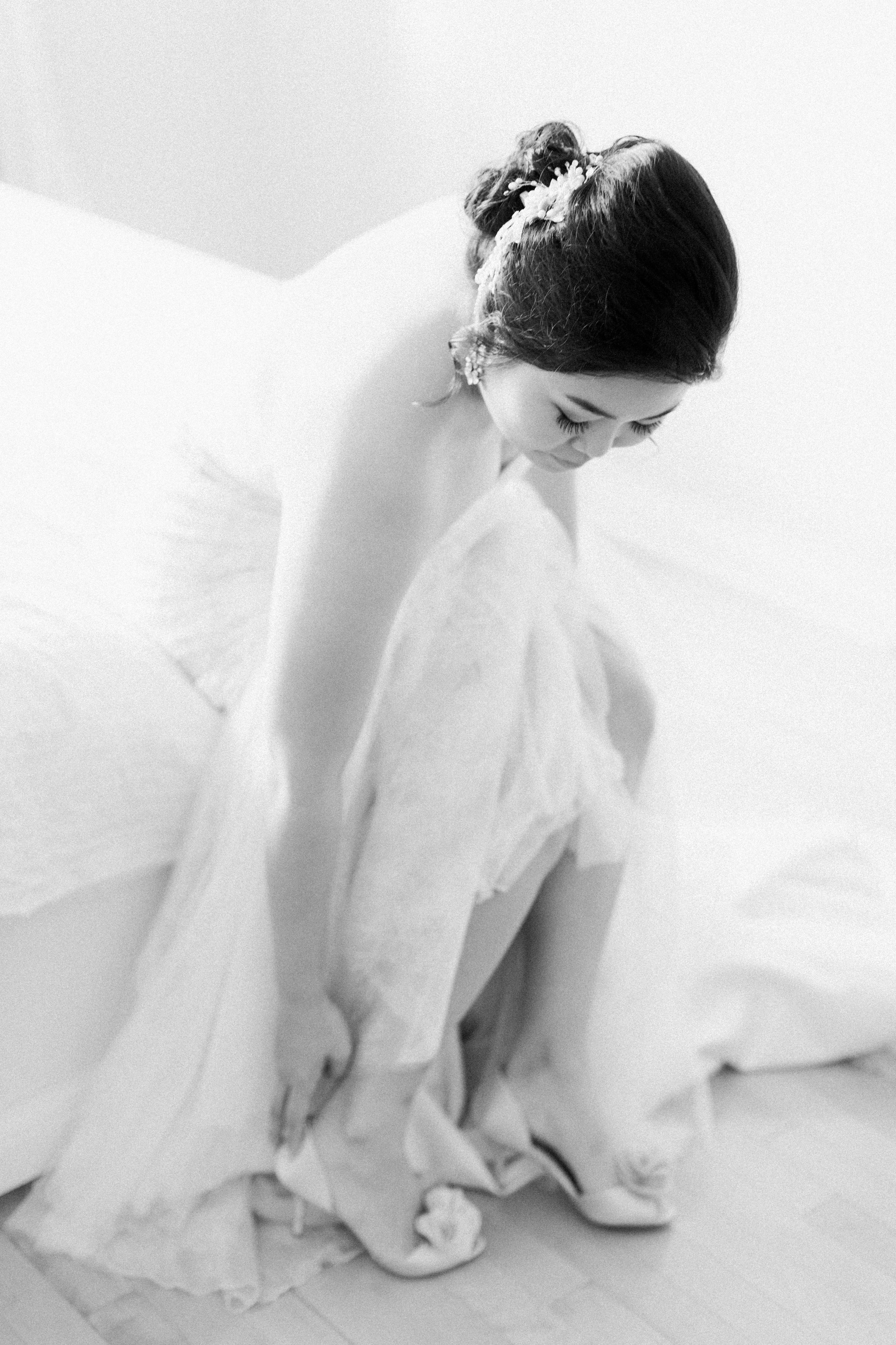 Toronto Fine Art Photographer - Toronto Hunt Club Wedding - Bride Getting Ready-59.jpg