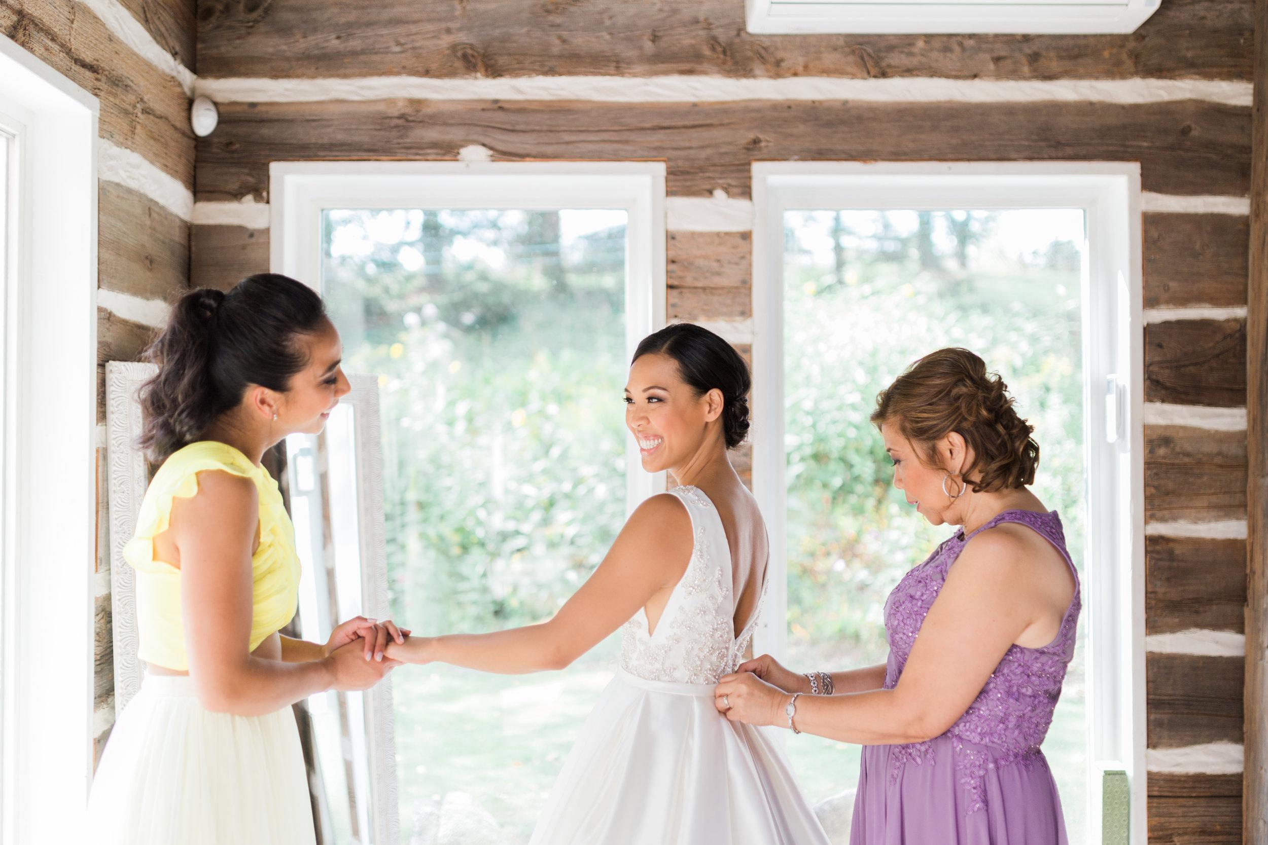 Alton Mills Wedding - Bride Getting Ready-39.jpg