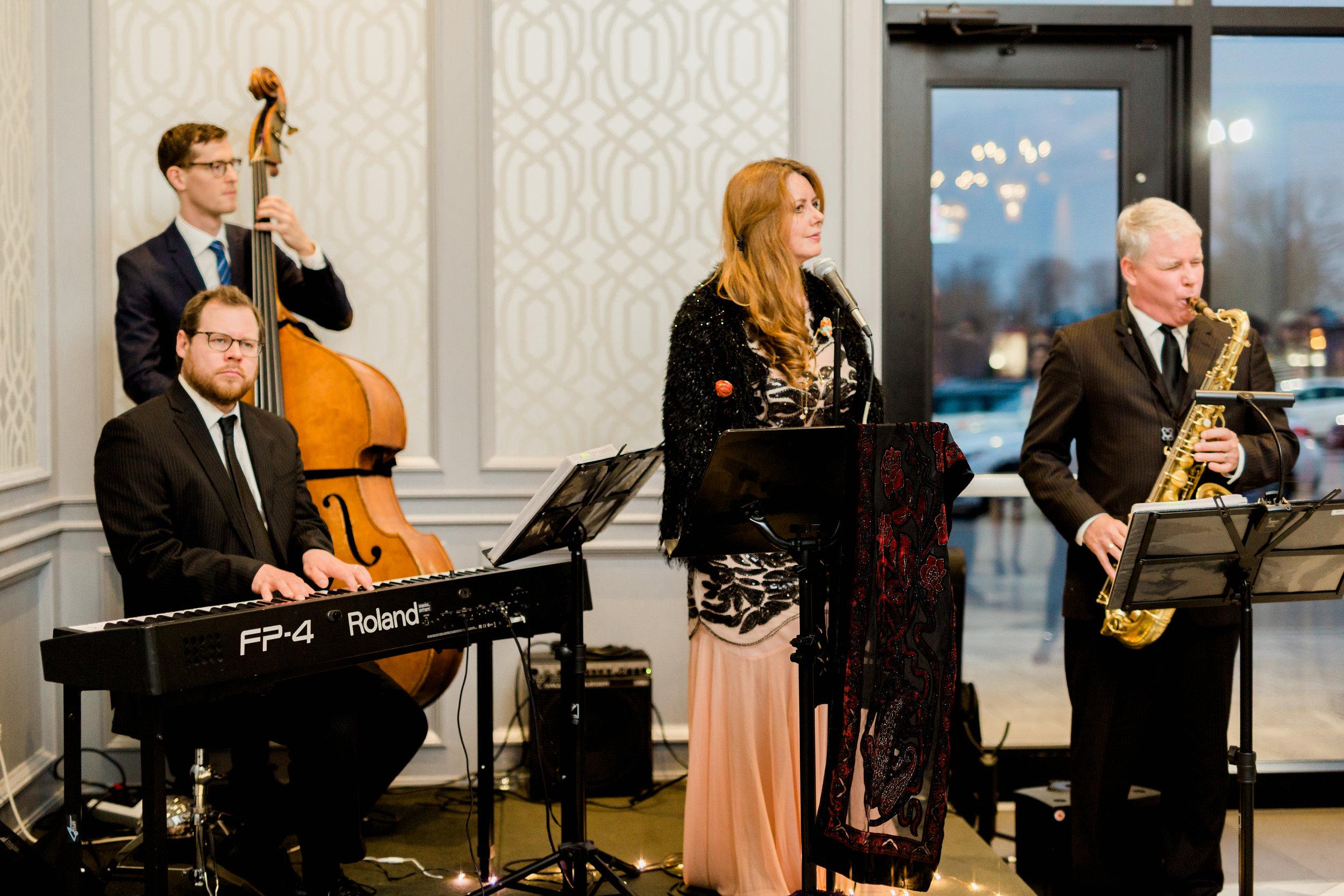 Parkview Manor Wedding - Cocktails-3.jpg