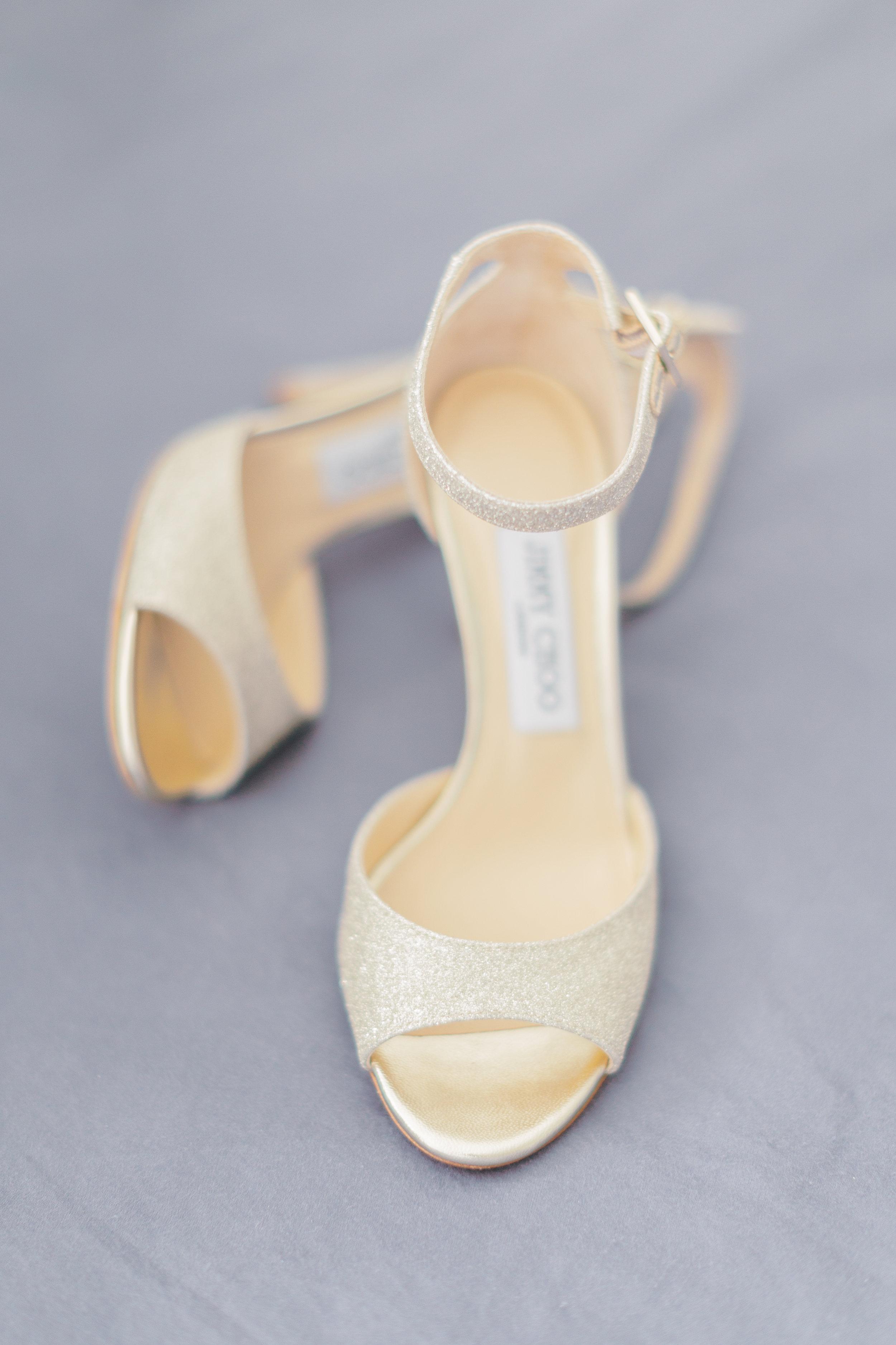 Angus Glen Wedding - Bride Getting Ready Chinese Dress-12.jpg