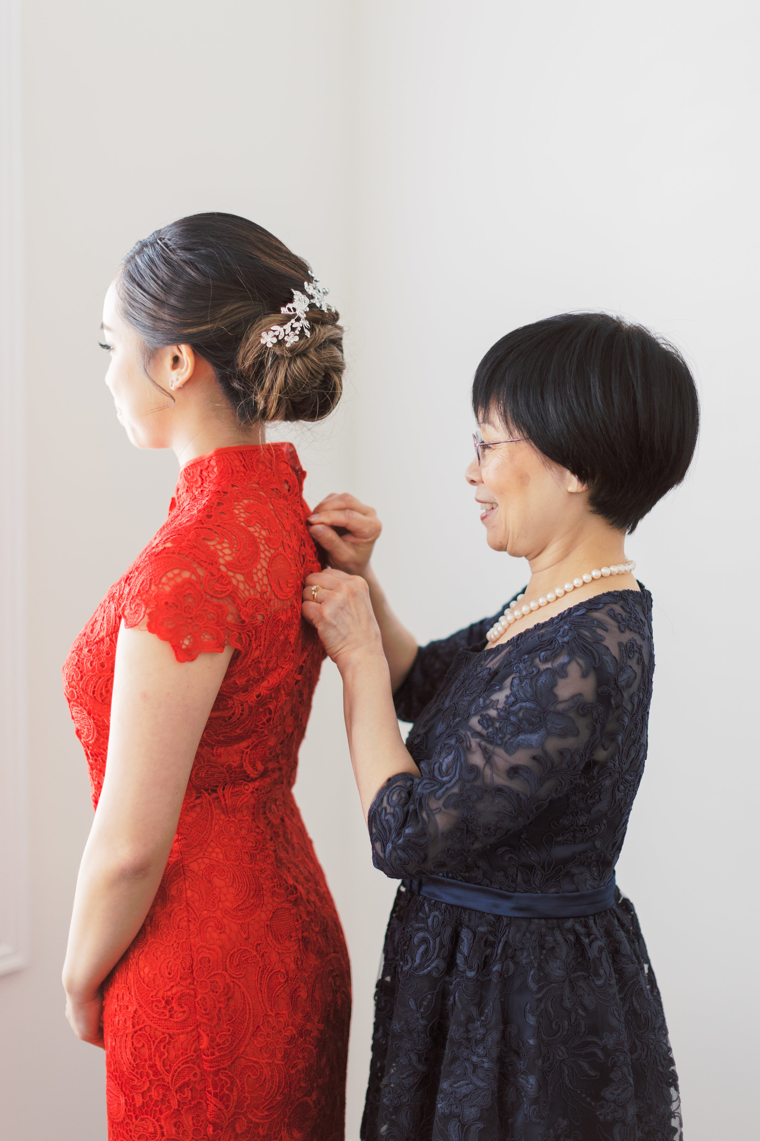 Angus Glen Wedding - Bride Getting Ready Chinese Dress-41.jpg