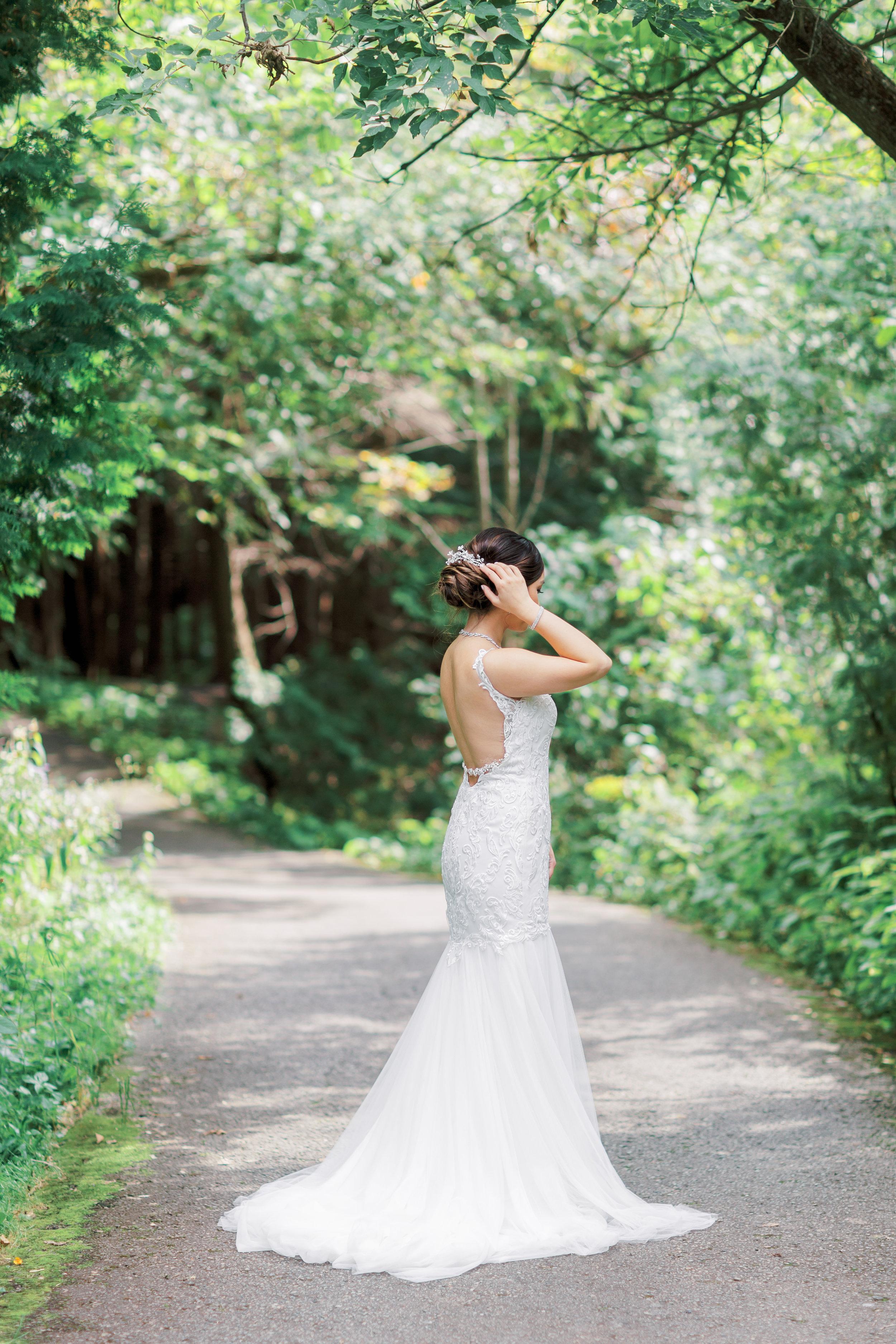 Angus Glen Wedding - Bride Getting Ready-18.jpg