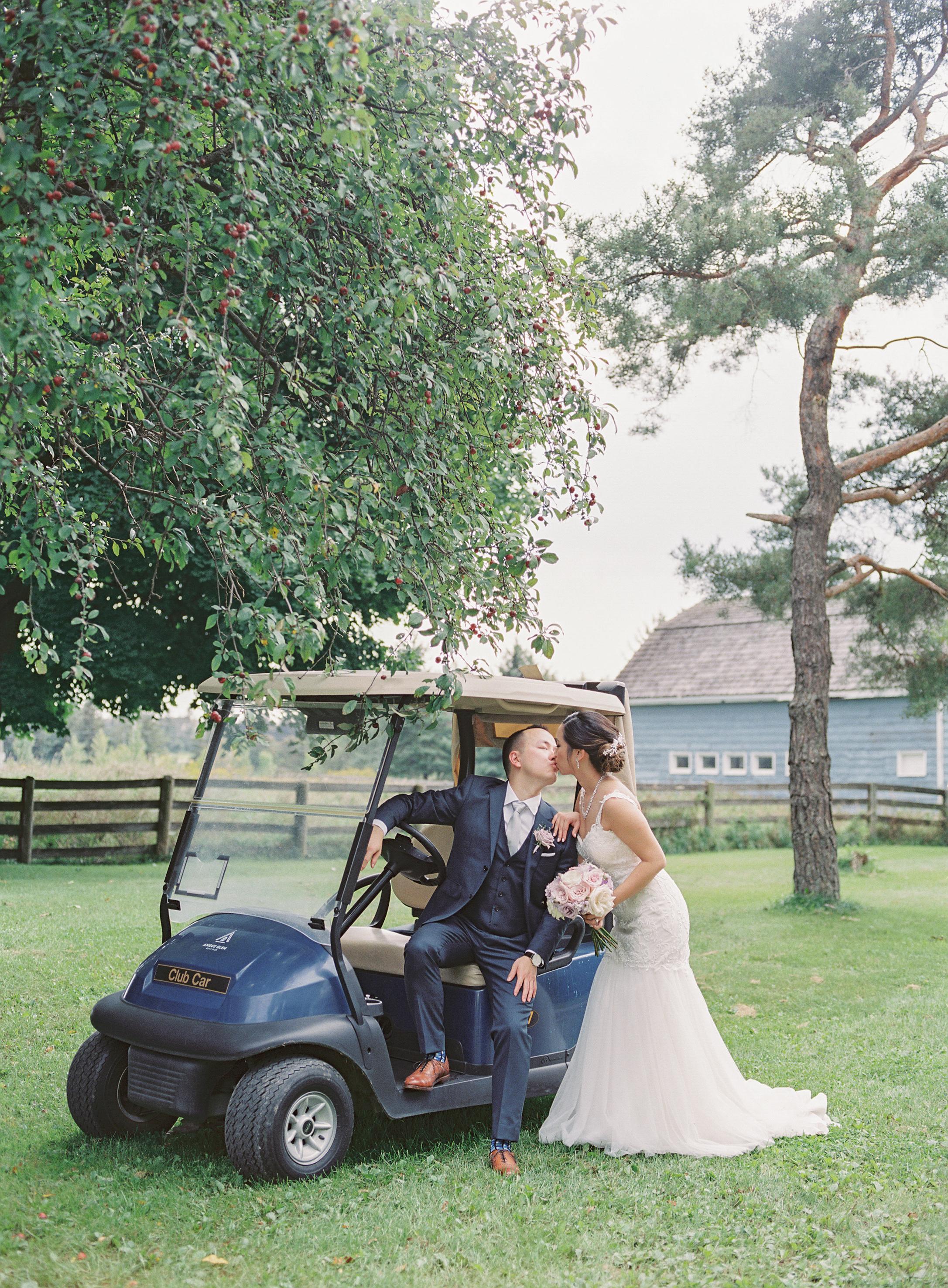 Angus Glen Wedding - Bridal Portraits-104.jpg